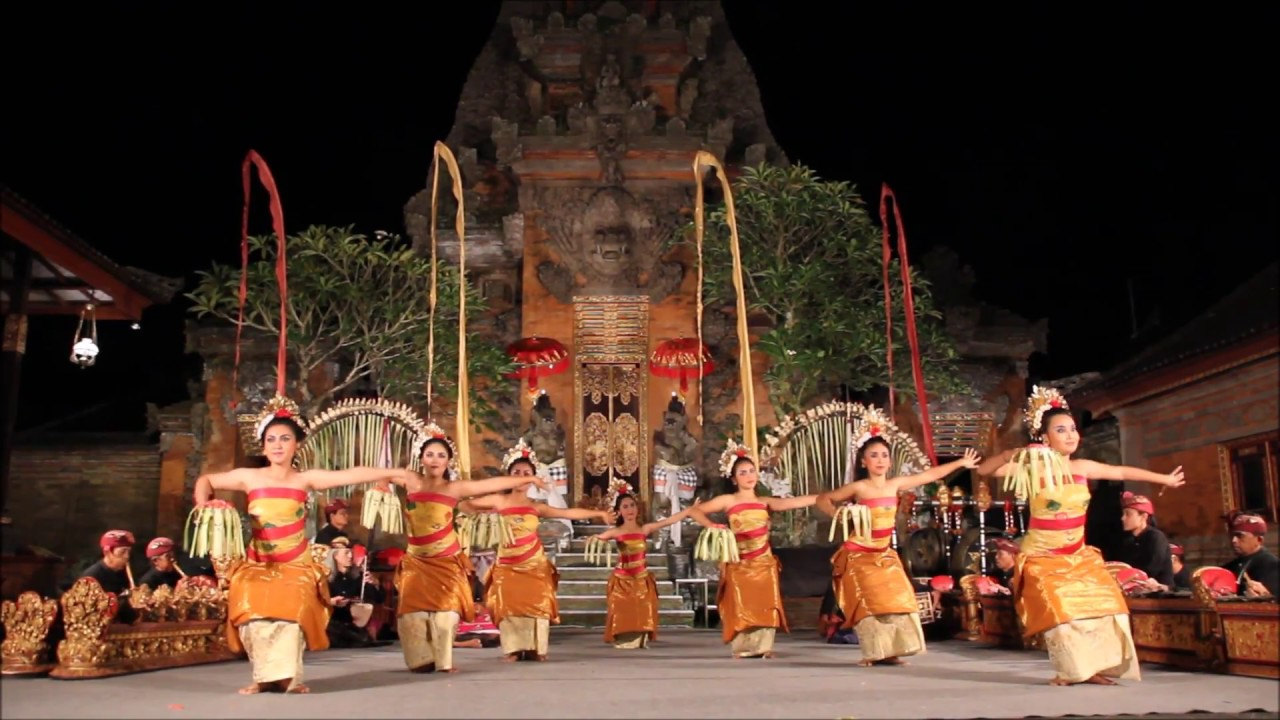 Ubud Palace Dance Performance