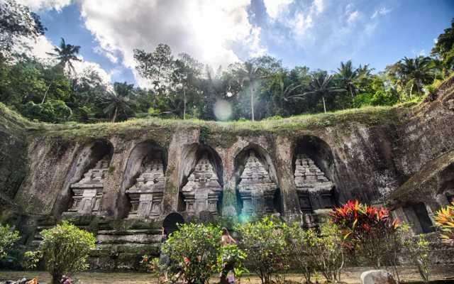 gunung-kawi-flickr-_pavan_-640x400
